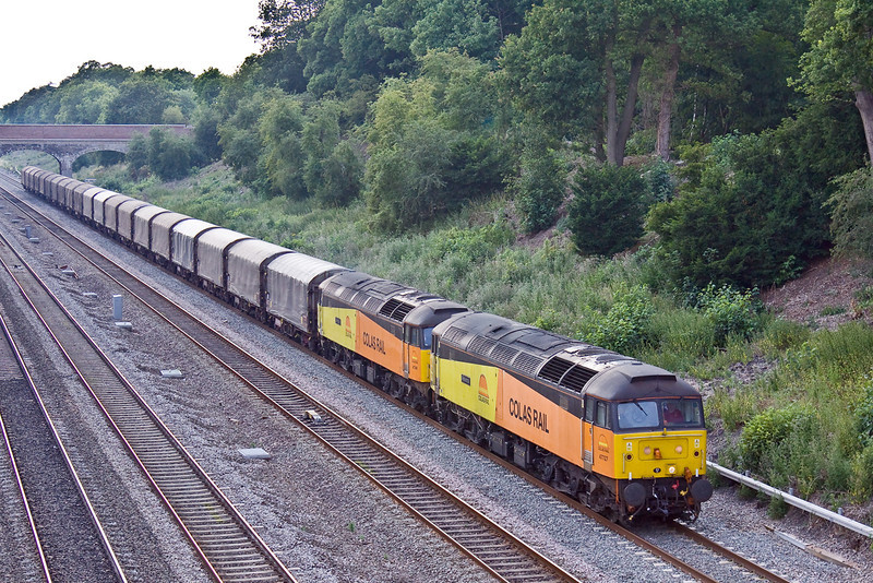 2nd Jul 09:  2 Colas 47s numbers 47727 & 47749 bring 6Z48 from Burton to Dollands Moor through Ruscombe