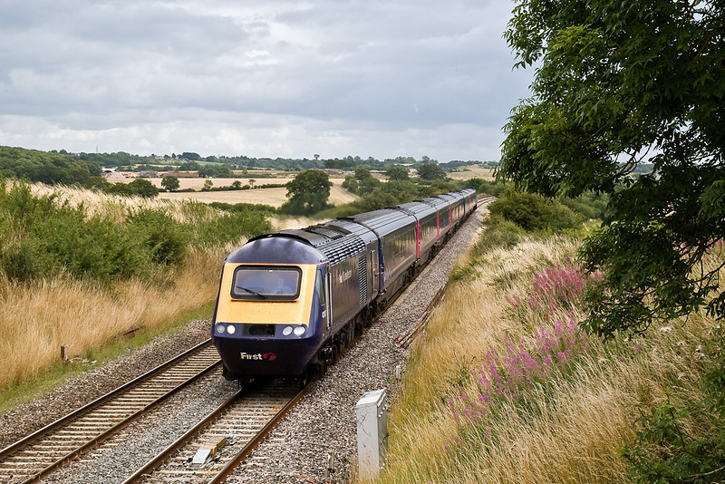 28th Jul 09:  With a service to South Wales 43137 races through Brinkworth