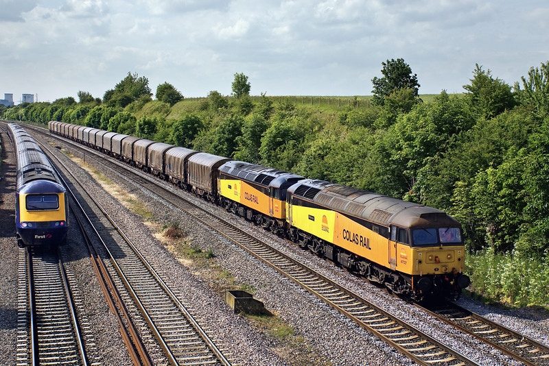 4th Jun 09:  With the largest load to date  Colas Rail's 47727 & 47749 run through South Moreton on their way from Burton to Dollands Moor