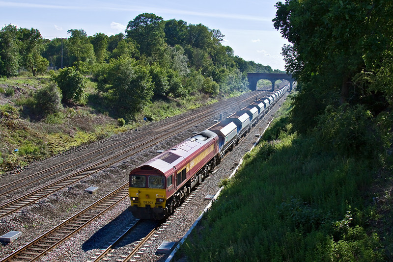 11th Jun 09:  With the new Nacco hoppers in tow 59203 brings 6A13  from Merehead to West Drayton through Ruscombe