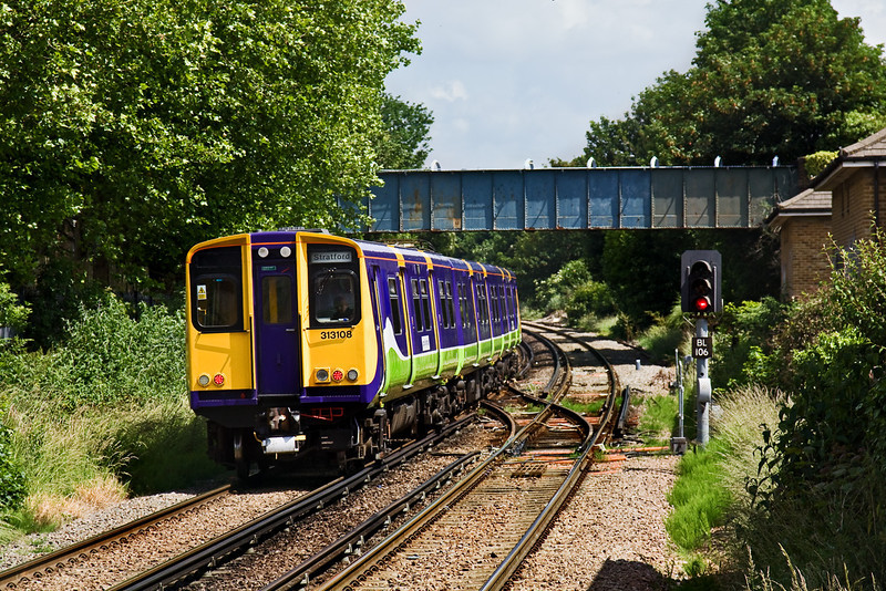 13th Jun 09:  313108 on 2N52 11.41 from Richmond to Stratford beparts South Acton