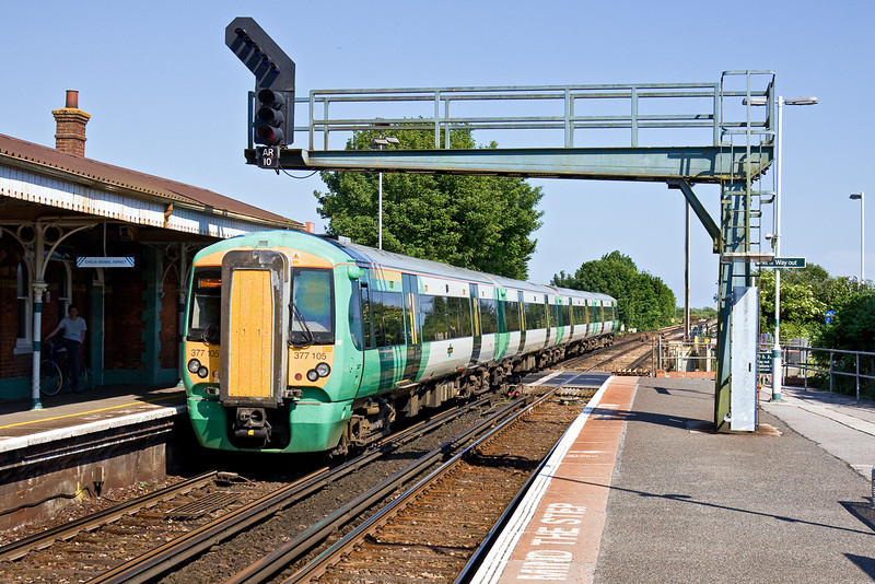 1st Jun 09: 377105 started at 15.13, 1C77 from Southampton and will combine at Horsham with 1C75 from Bognor and continue to Victoria
