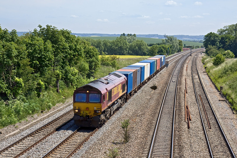 4th Jun 09:  66114 workd 6V38 from the MOD centre at Marchwood to Didcot through South Moreton