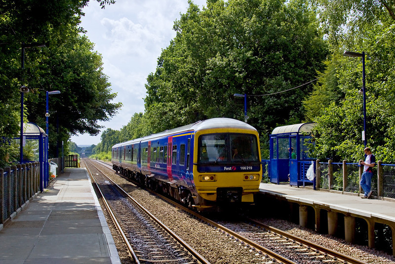 14th Jun 09:  166219 at Sandhurst with a Gatwick to Reading service