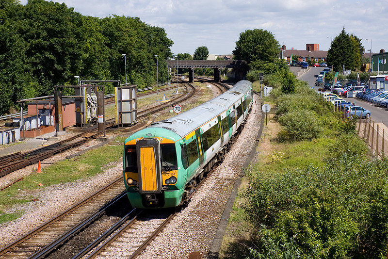 18th Jun 09:  377164 passes the carriage washer as it arrives at Eastbourne with 2D23 the 10.52 from Brighton to Ore