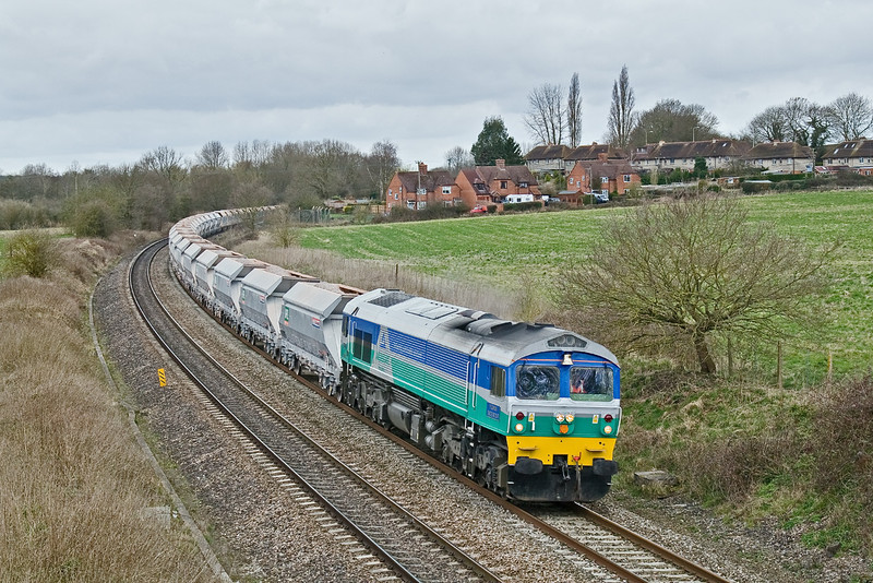 13th Mar 09:  Rounding the curve away from Woolhampton and seen from the bridge in Frouds Lane  is 59001 working 7A17 from Merehead to Acton