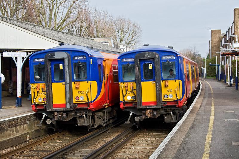 7th Mar 09: 455732 to Waterloo crosses 455741 to Shepperton at Hampton