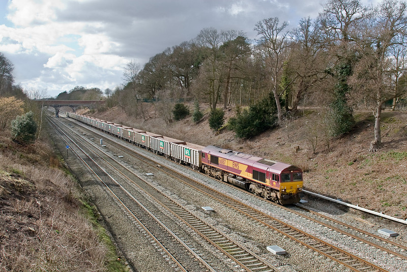 4th Mar 09:  66187 east bound working 6Z34 loaded MRL JNAs from Merehead to Bow Olympic through Ruscombe