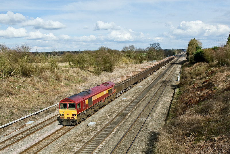 4th Mar 09:  59204 with the Bow Olympic to Merehead (6Z71) pictured from the Southbury Lane road bridge in Ruscombe