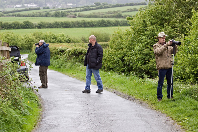 6th May 09: Messres Lewis, Bearton & Nevard working out where to take the next shot.