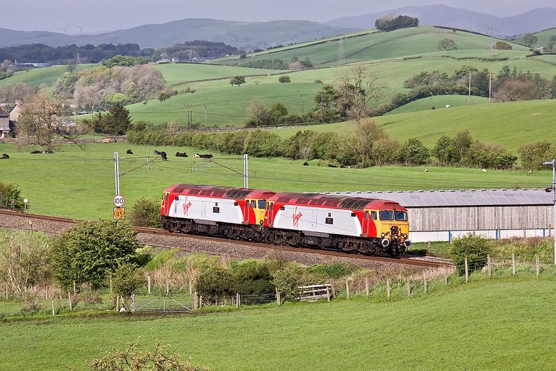 7th May 09:  Virgin Thunderbirdss 57308 & 57306 run south through Rowell