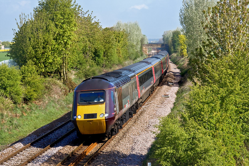 29th Apr 09:  Running 16 minutes late through Thurnscoe is 43321 on 1V31 the 06.08 Edinburgh to Plymouth