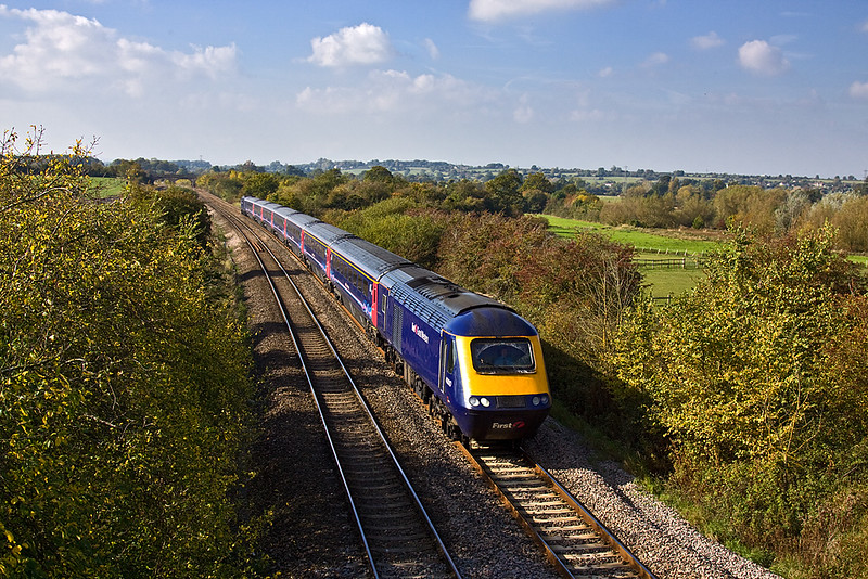 14th Oct 09:  The 11.55 from Exeter to Paddington (1A82) runs away from Fairwood Junction towards Westbury where it will make it's next stop.