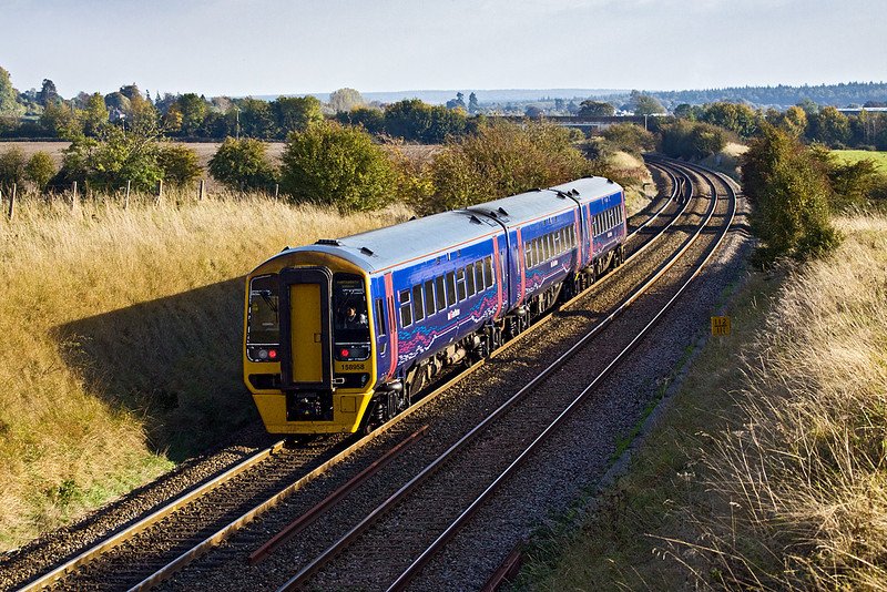 14th Oct 09:  158958 forming 1F23 the 14.30 Cardiff to Portsmouth Harbour nears the summit of the sharp climb from Westbury to Upton Scudamore