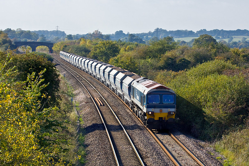 14th Oct 09:  59101 with mainly new Nacco Hoppers in the consist draws away form Fairwood Junction and heads for Westbury. 6A13 runs from Whatley to West Drayton.