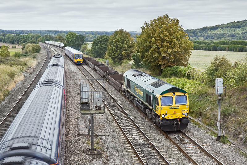 22nd Sep 09:  66579 with 4O51 from Wentloog to Southampton runs through Purley on Thames