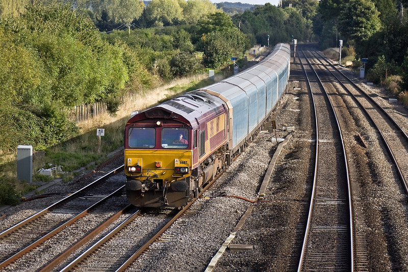 10th Sep 09:  Running on Tuesday and Thursdays only 6X58 works between Southampton and Bescot yard carrying Cars for Ford.  66117 is at Lower Basildon.