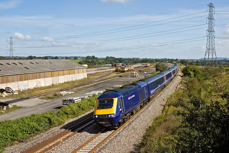 12th Sep  09: 43148 leads on the 10.00 from Paddington to Bristol Temple Meads,  Thingley Junction
