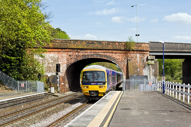 27th Apr 10:  Leaving Paddington at 12.27, 2N36 in the hands of 165103 arrives at Twyford.  It is bound for Oxford