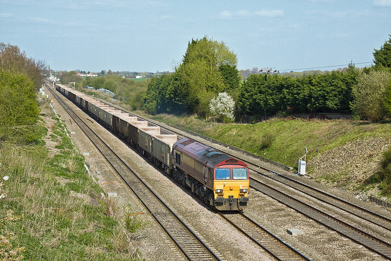 16th Apr 10:  59202 trundles past Southbury Lane in Ruscombe with 7V64 empty MRL boxes from Bow to Merehead