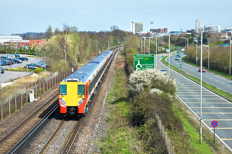 13th Apr 10:  Leaving Bracknell is the 13.27 Waterloo to Reading service lead by 458022