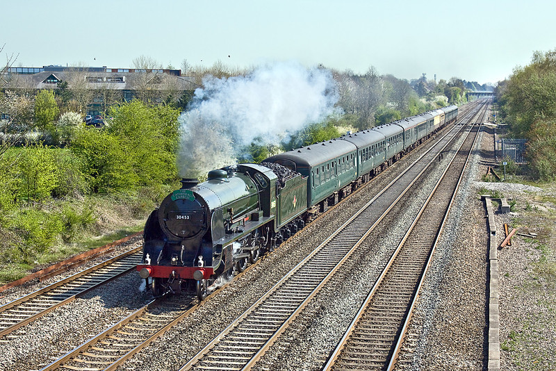 """23rd Apr 10:  Masquerading as 30453 """"King Arthur"""" in honour of it being St Georges day 30777 """"Sir Lamiel"""" heads west at Breadcroft Lane with the day's Cathex to Stratford on Avon."""