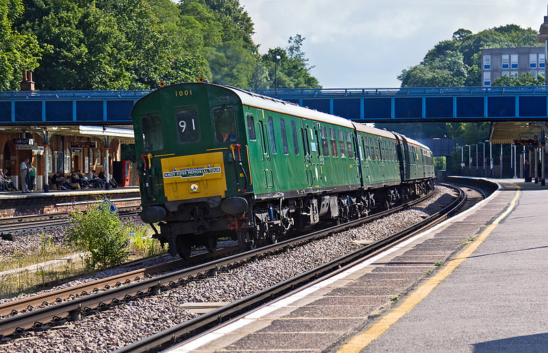 "8th Aug 10:  The ""Andy Piper Memorial Tour"" thunders through Farnborough. The classs 201 'Thumper 1001' started from Hastings and via Waterloo is heading for Poole.  Georgeous !!"