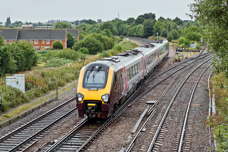 10th Aug 10:  Clattering over Didcot North Junction is 220020 working 1E32 the 09.42 Reading to Newcastle