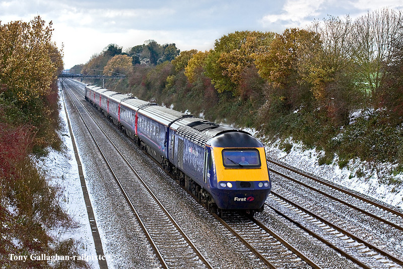 2nd Dec 10:  Running to time through Shottesbrooke is 1L52 the 10.28 from Swansea to Paddington
