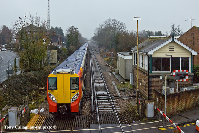 29th Dec 10:  458023+8020 now return wrong line into Platform 1 at Wokingham ready to form the 14.24 (2C44) to Waterloo