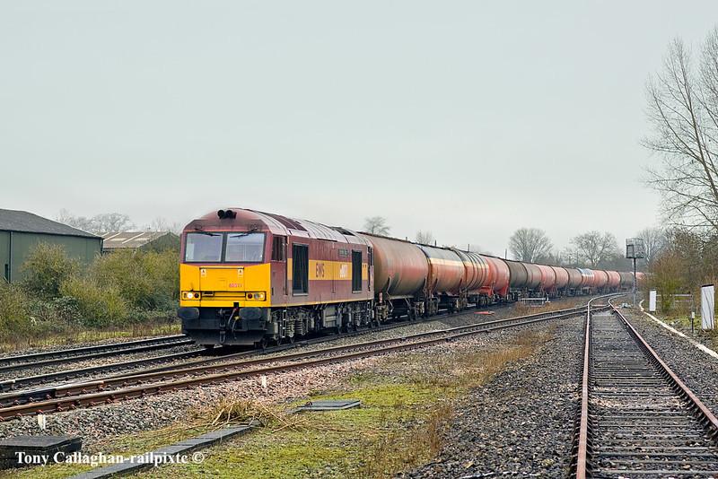 4th Dec 10:  Diverted via the B & H 60071 brings 6B33 Murco empties through Padworth