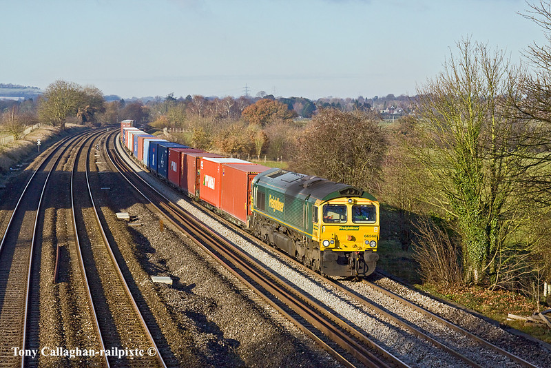 8th Dec 10:  66568 at Lower Basildon with 4O54 from Leeds