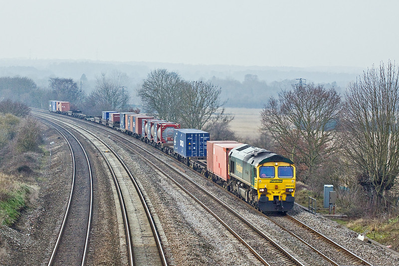 27th Jan 10:  66533 on the point of 4O27 from Garston to Southampton at Purley on Thames