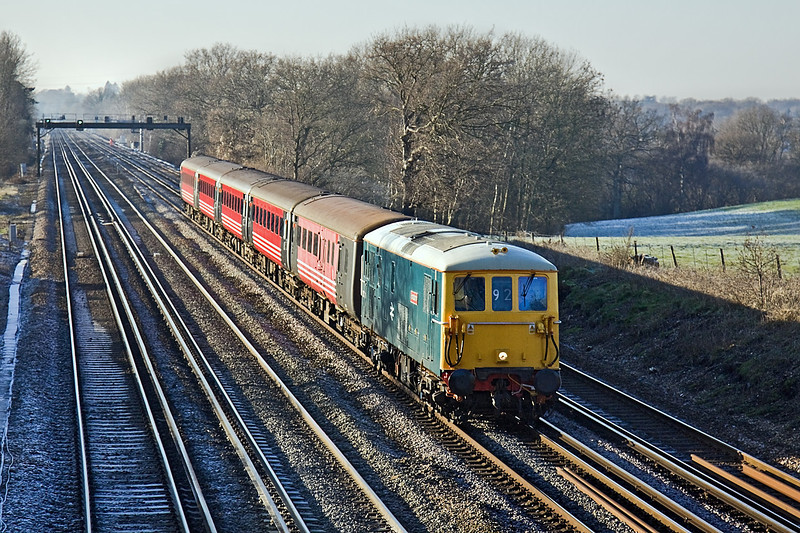 4th Jan 10:  73201 'Broadlands' races towards Winchfield with 5Z73 from Eastleigh to Selhurst on a very cold and frosty lunchtime.