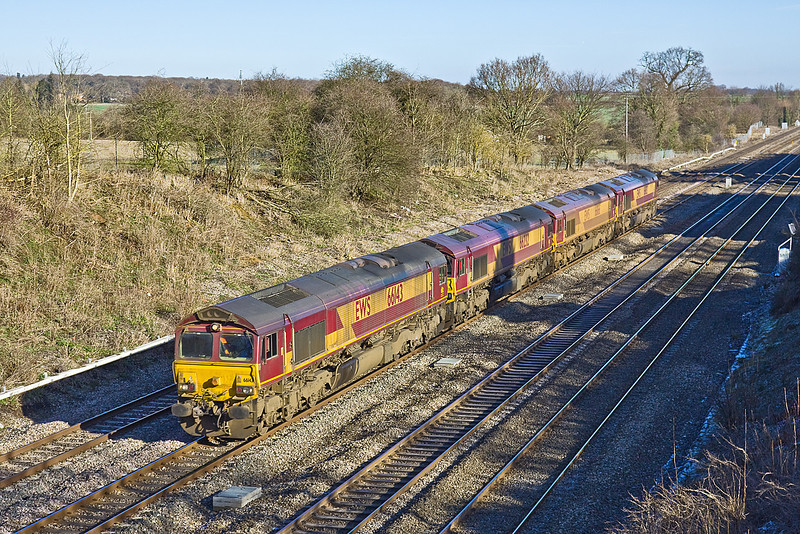 29th Jan 10:  0N07 moved  sheds 66143, 66232, 66166, 66183 from Willesden to Eastleigh. Seen here at Southbury Lane in Ruscombe