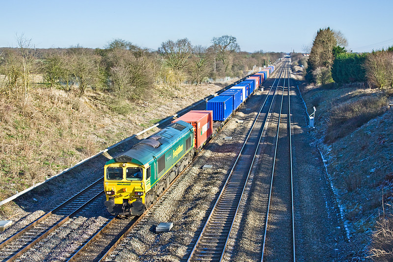 29th Jan 10:  66532 pictured from the bridge at Southbury Lane.4O14 is from Birch Coppice to Southampton