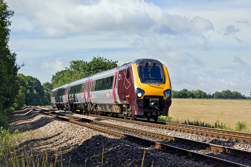 17th Jul 10:  220027 is forming the 08.45 Cross Country service from Bournemouth to Manchester Piccadilly.  Pictured here at Grazeley