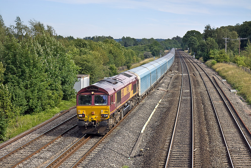 19th Jul 10:  66131 is in charge of 6M58 from Southampton Eastern Docks to Warrington