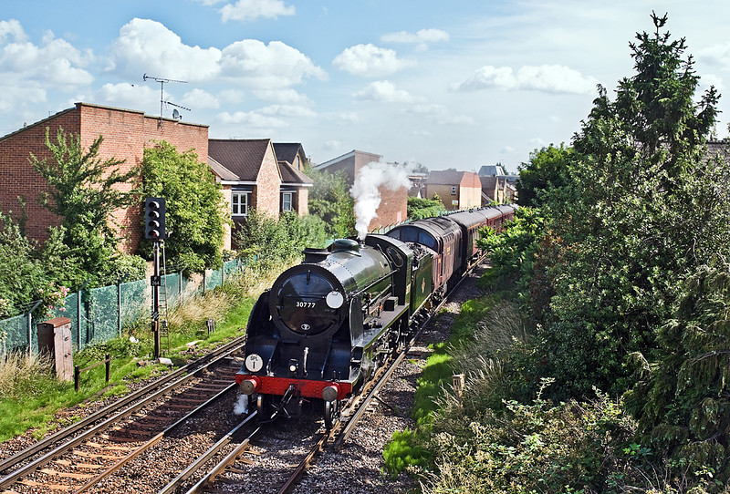 """3rd Jul 10:  With the 37706 tucked inside, 30777 roars away from Egham working """"The(1Z86) Swanage Belle"""""""