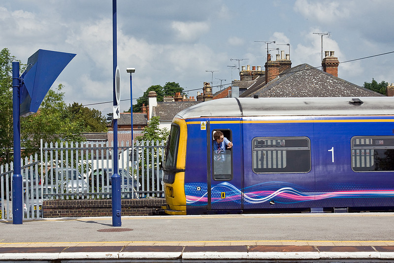 14th Jun 10:  The driver of 165103 acknowledges the Right Away and is about to take 2H28,  the 11.28, from Twyford to Henley