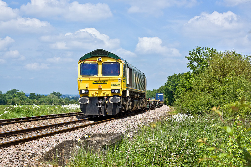 2nd Jun 10:  66594 makes a fine sight as it brings 4O51 from Cardiff, Wentloog south through Grazeley