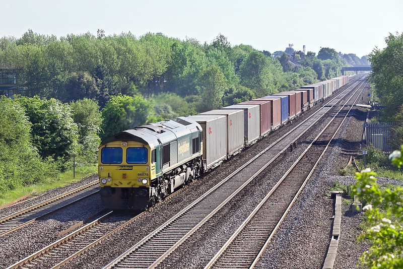 22nd May 10:  The diverted 4O22 from Trafford Park with 66575 on the point passes Breadcroft Lane in Maidenhead