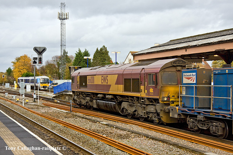 3rd Nov 10:  165024 comes off the branch thus clearing the way for 66001 and the RHTT to go to Aylesbury