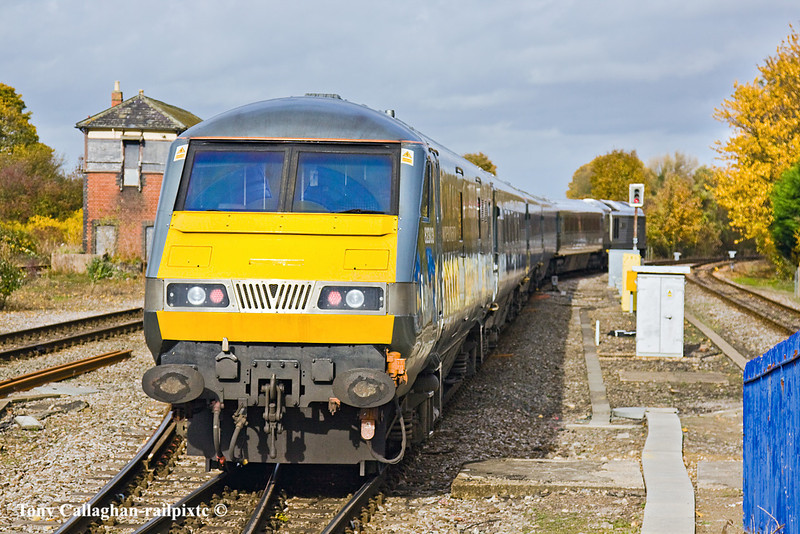 3rd Nov 10:  With DVT 82303on the rear the set takes the branch line to Aylesbury