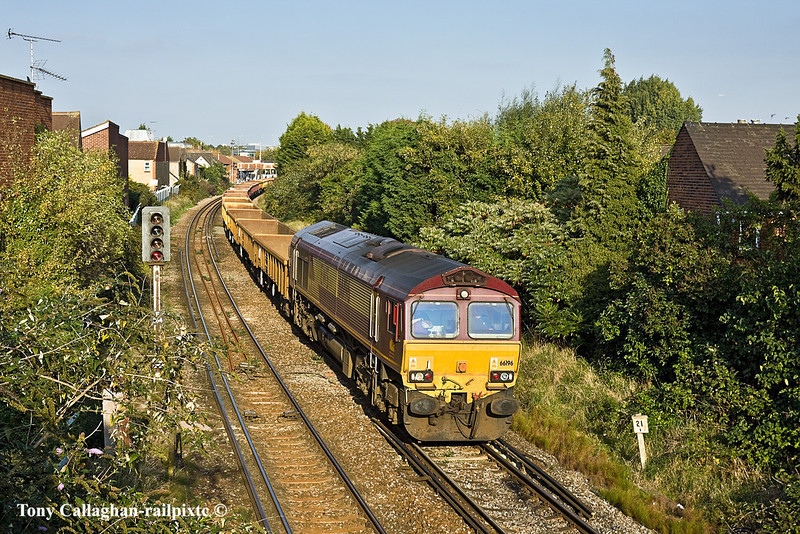 12th Oct 10:  Heading into the late afternoon sun is 66196 leading a long rake of empty JNAs/IEAs/MLAs on 6Y42 the 13.57 Departmental from Hoo Jct to Eastleigh