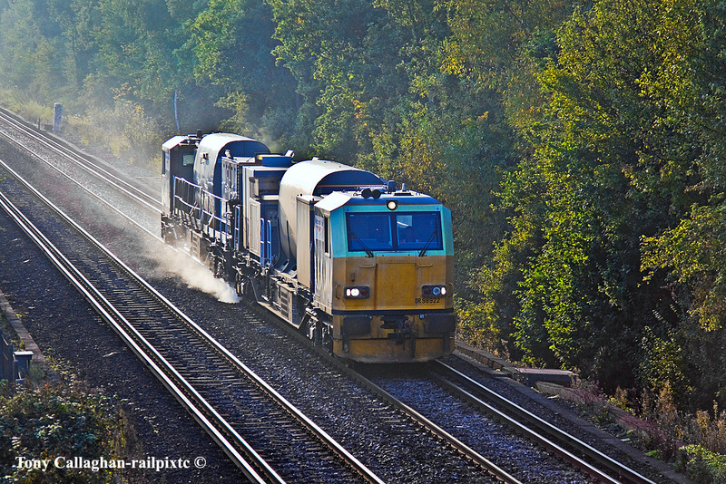8th Oct 10:  Windhoff units DR 98922 & 98972 near Bracknell while working RHTT service 3S84 which is based on Eastleigh