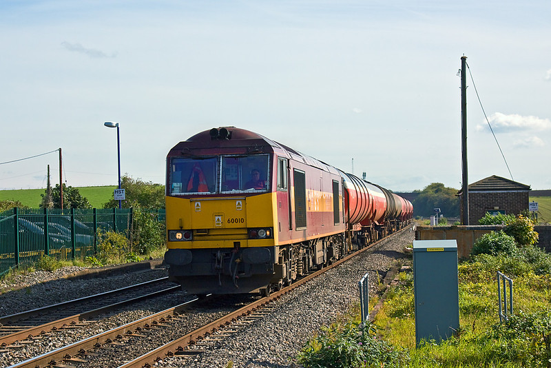 7th Oct 10:  60010 runs through Cholsey with the empty Murco oil tanks returning from Theale to Robeston