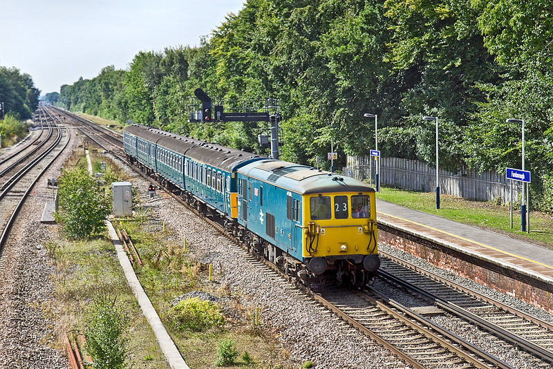 2nd Sep 10:  73208 was chosen to return 4 VEP 3417 to East Grinstead  from storage at Eastleigh.  Running an hour late  5Z23 is captured racing along the Up Fast through Farnborough