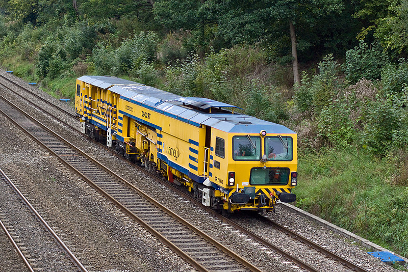 27th Sep 10:  Amey's Plasser Theurer 09-32RT tamper named 'Tiger' in the Sonning Cutting