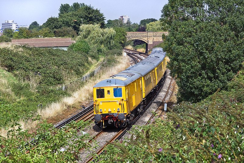 1st Sep 10:  Making it's 2nd run down the Shepperton Branch are 73138 tnt 73107 working 1Q63 from Selhurst via the world to Selhurst